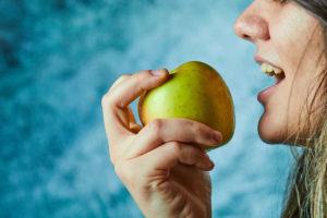 Read more about the article Qual a diferença entre fome e vontade de comer?